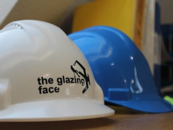 Safety helmet with Glazing Face Logo